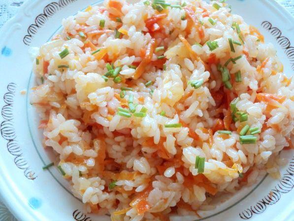 Ρύζι-με-ντομάτα-και-σέλινο.