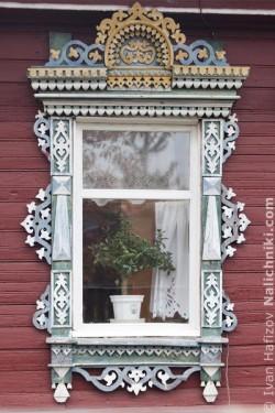 Ρωσικό-σκαλιστό-παράθυρο-στην-Κίνιεσμα