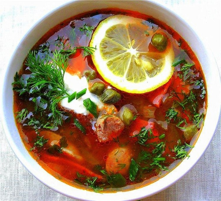 Ρωσική σούπα σολιάνκα.