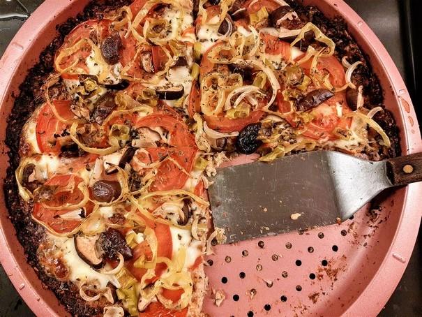 Πίτσα χωρίς γλουτένη με κουνουπίδι,